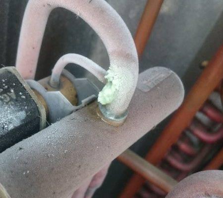DSC 2988 1 e1521043624776 450x400 - Serwis klimatyzatora - uszkodzona sprężarka
